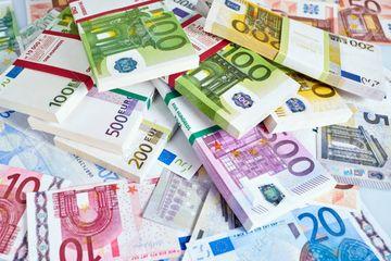 Ən çox gəlir əldə edən futbol klubları - SİYAHI