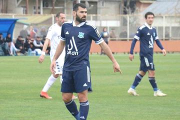 Simvolik komandada - azərbaycanlı futbolçu