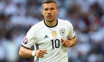 Hokkey komandasında oynayacaq - Lukaş Podolski