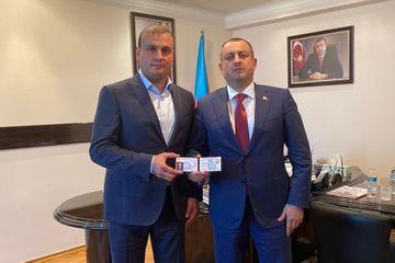 Yeni prezident seçildi - Azərbaycan Kikboksinq Federasiyasına