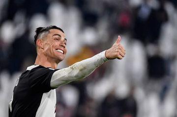 Ronaldo zirvədə, Burak Yılmaz 21-cidir - onilliyin bombardirləri