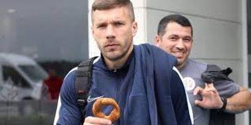 Podolski özünə klub tapdı – Polşada