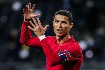 Mükafat sahibini tapdı - Ronaldo