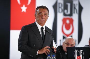 """İstefa verdi – """"Beşiktaş""""ın prezidenti"""