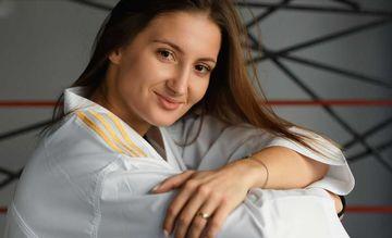 Uğurlardan doymayan, oğlanları ağladan, medallarını yeşikdə saxlayan - İrina Zaretska