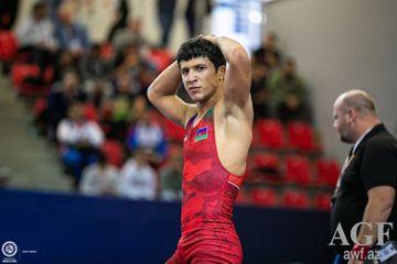 Əliyev finalda, Vəliyev üçün bürünc medal şansı - Avropa çempionatında