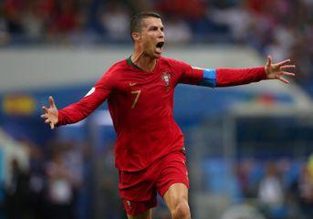 Ronaldo liderliyini möhkəmlətdi - əsrdə ən çox...