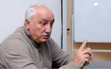 """Ağasəlim Mircavadovun Zaur Ramazanova cavabı: """"Danışığını bilmir"""""""